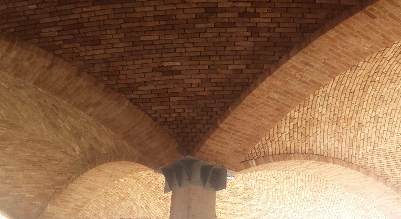 dettaglio di costruzione di volta in mattoni