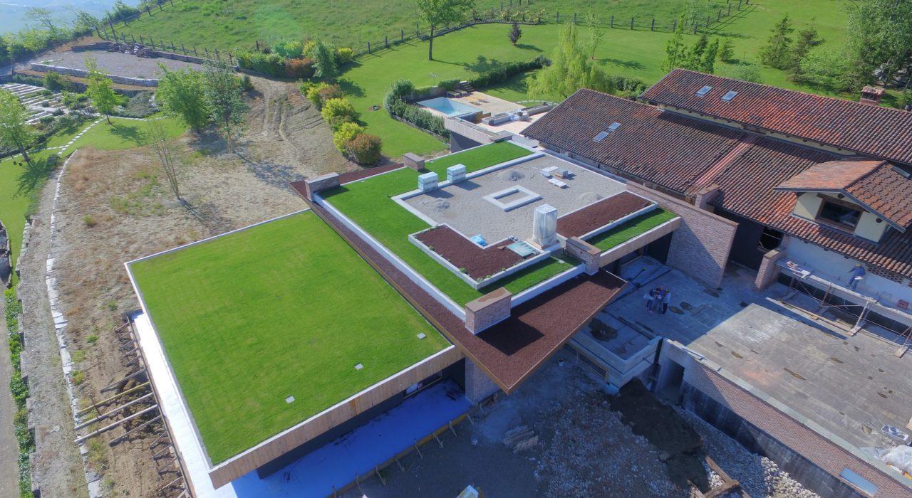 giardino su terrazza resort La Morra