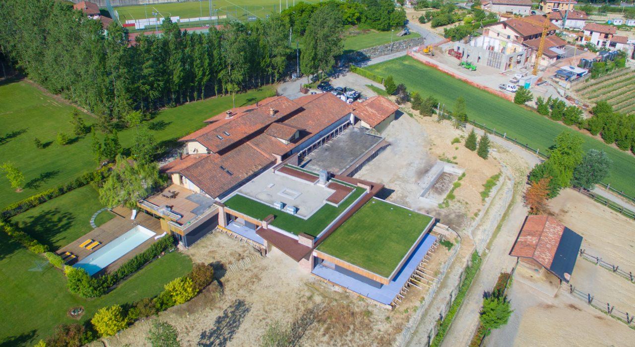 vista aerea resort La Morra in costruzione
