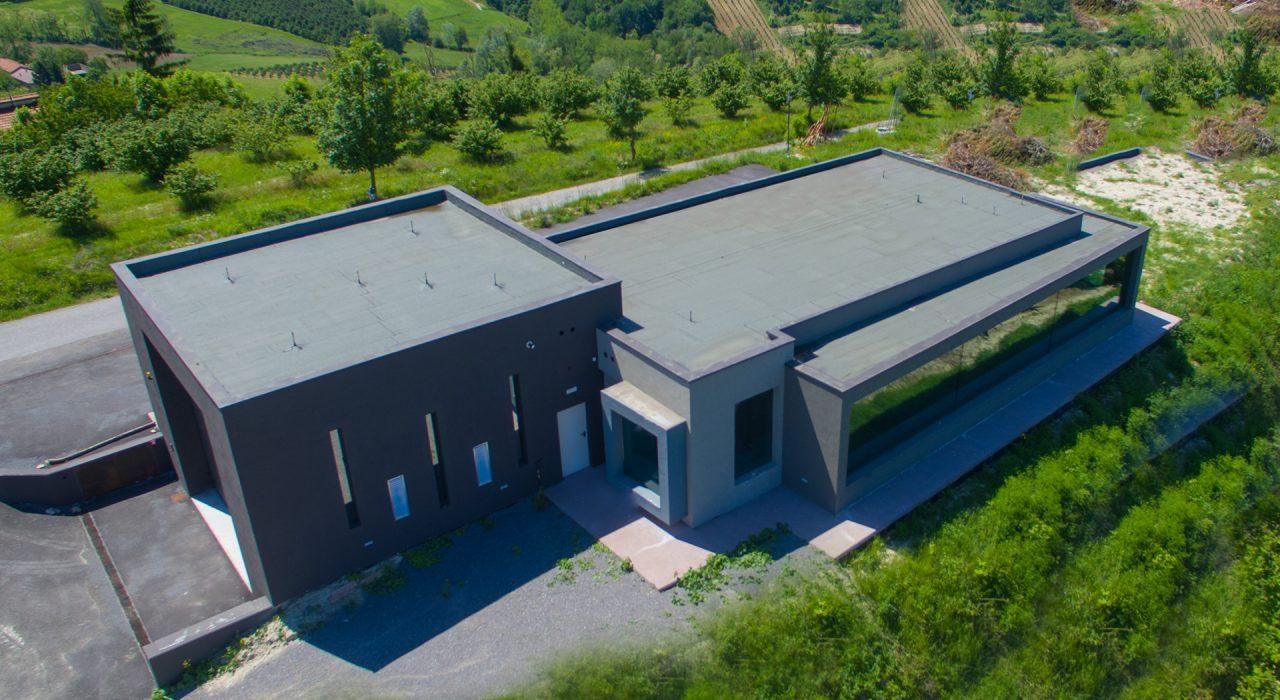 Centro polifunzionale sito nel comune di Serravalle Langhe